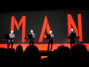 20040323-kraftwerk-in-de-ab-03-the-man-machine1